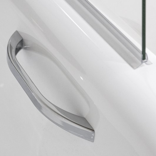 Handle on bathtub